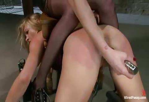 lesbis BDSM sex